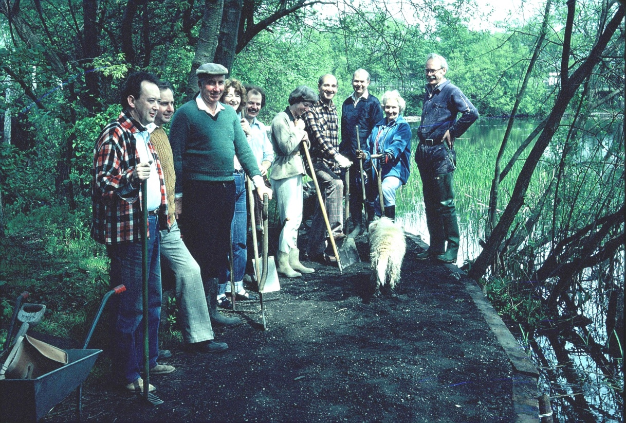 C1979 path workers - Photo 8 s